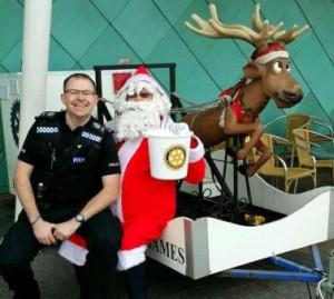 Santa-police-e1422115453913